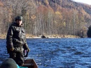 タティアナさんの夫、ヴォーバ(ウラジミル)さん、ビキン川で