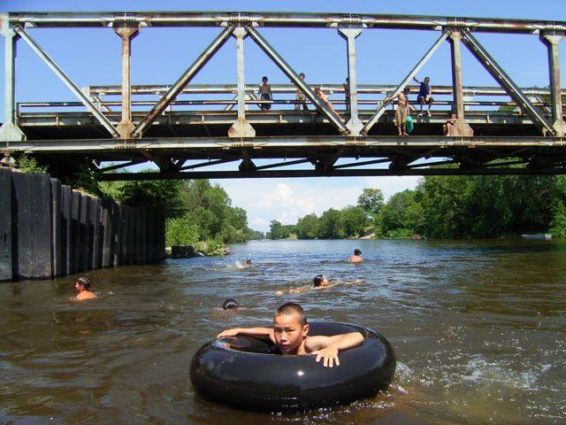 Dszd_Bikin River, June 2004